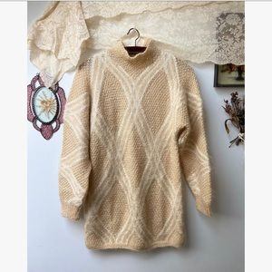 Vtg Oversized Knit Lattice Design Sweater